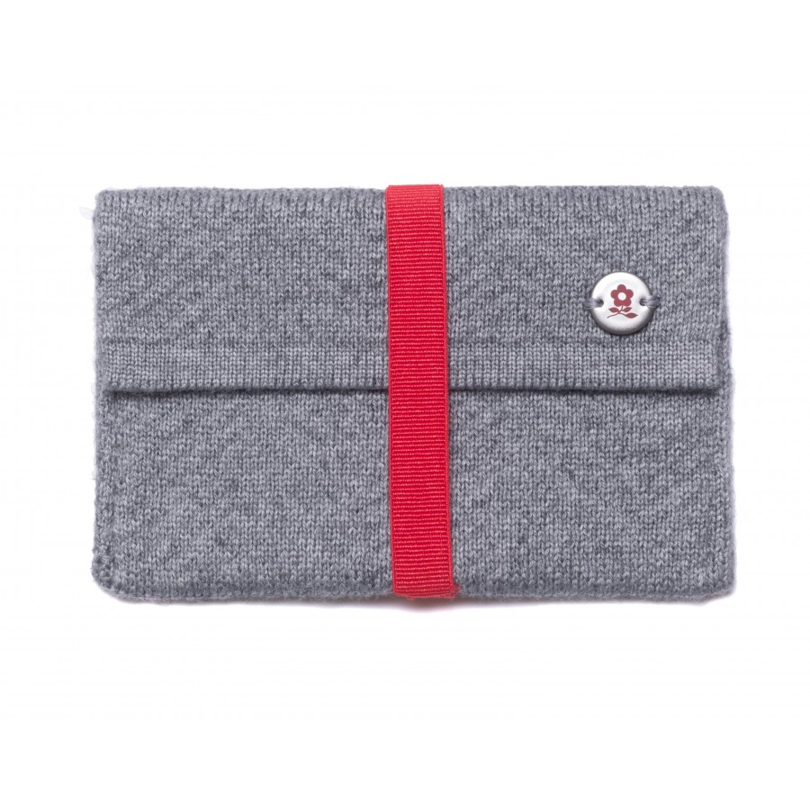 Small wallet in cashmere Montagut